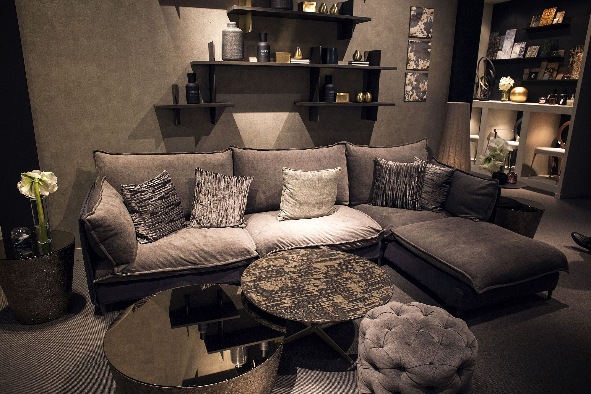 Black coffee tables 20 dashing design ideas for Create your own coffee table