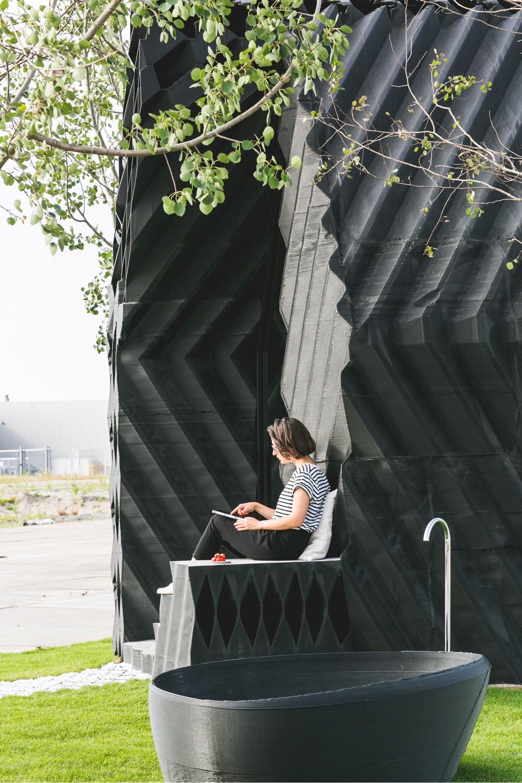 DUS urban cabin tub photo by Sophia van den Hoek