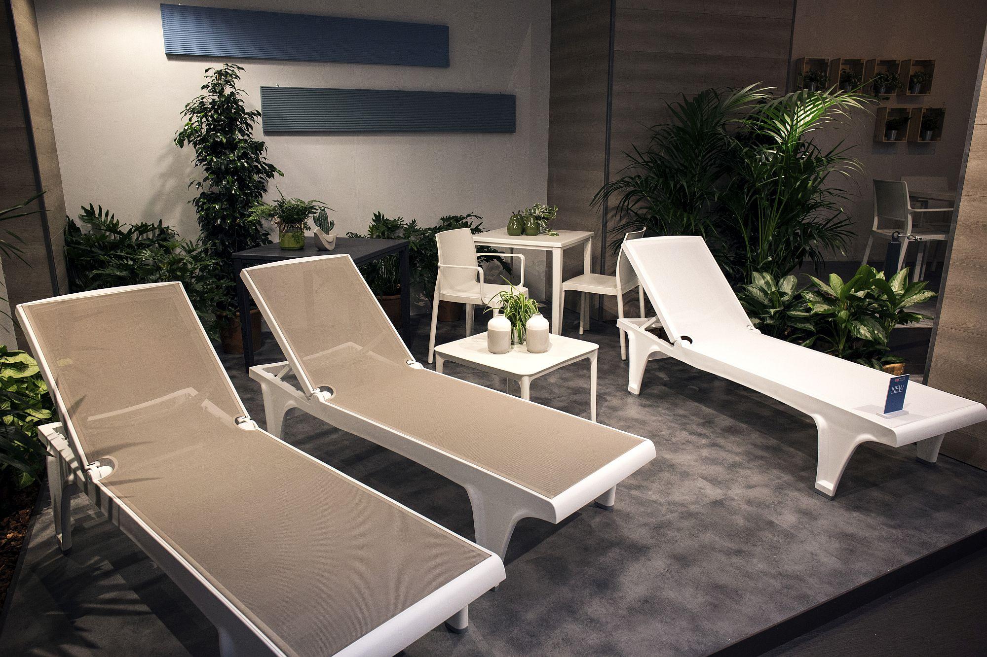 Designer sunbed Tahiti from Scab Design