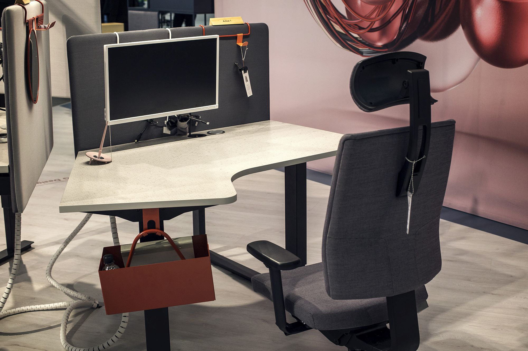 High-quality workstations from European Furniture Group