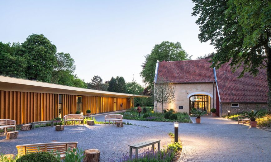 Château St. Gerlach: Luxury Hotel and Spa Complex with Historic Context
