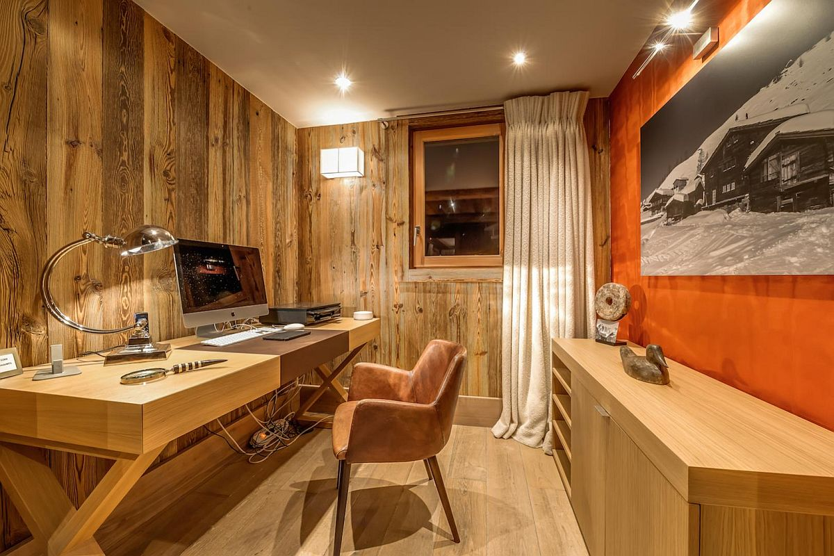 Home-office-at-lavish-Mont-Tremblant