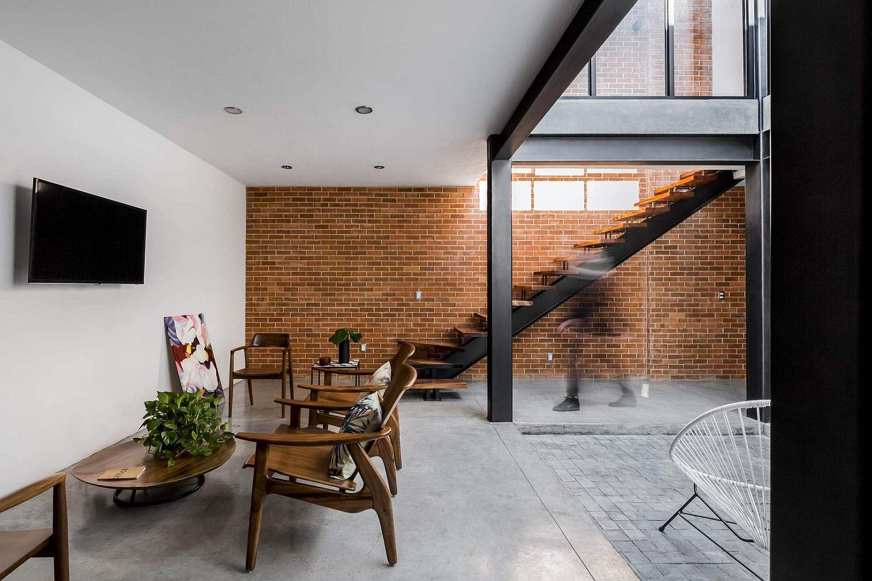 Industrial modern interior of Casa Forasté