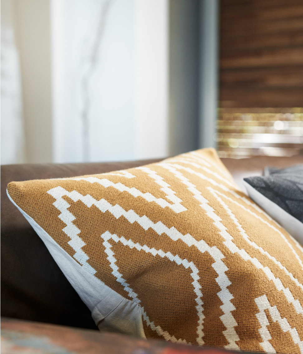 Jacquard-weave cushion cover from H&M Home