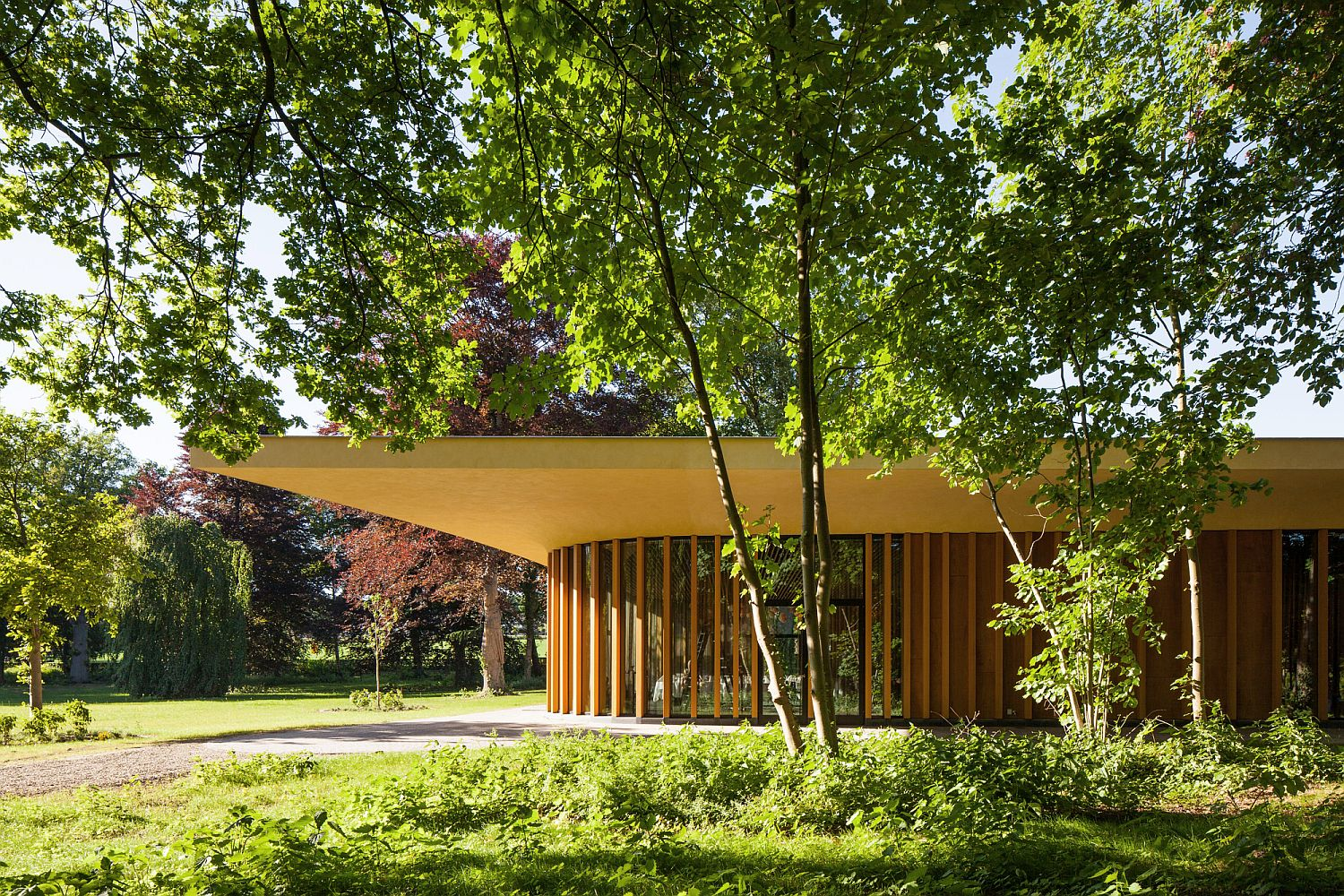 Large cantilevered roof around the pavilion offers ample shade