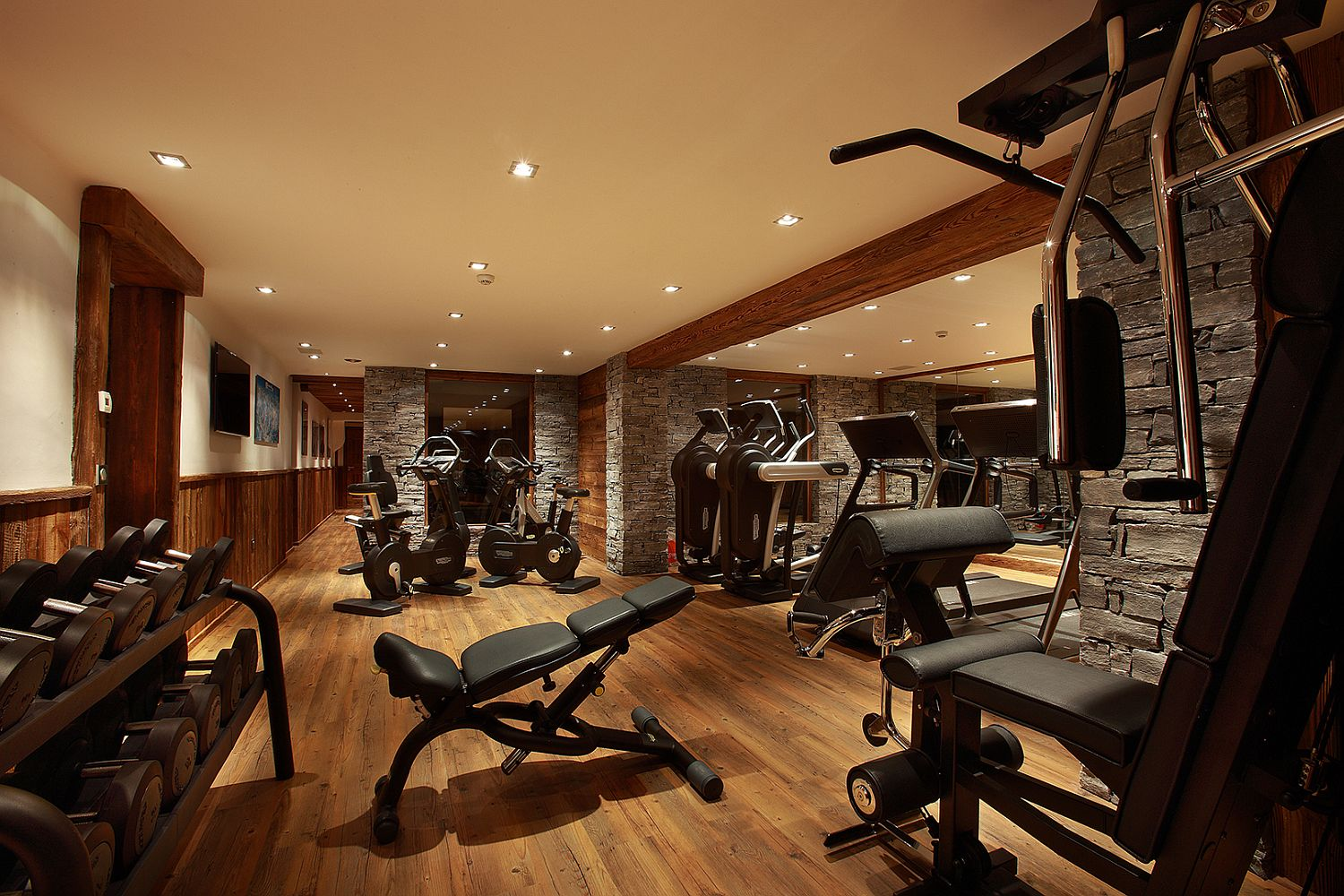 Modern gym at the Marco Polo
