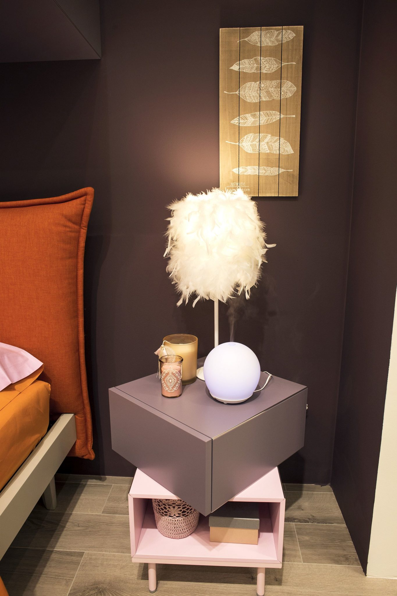 Pretty-pink-and-gray-nightstand-for-the-girls-bedroom