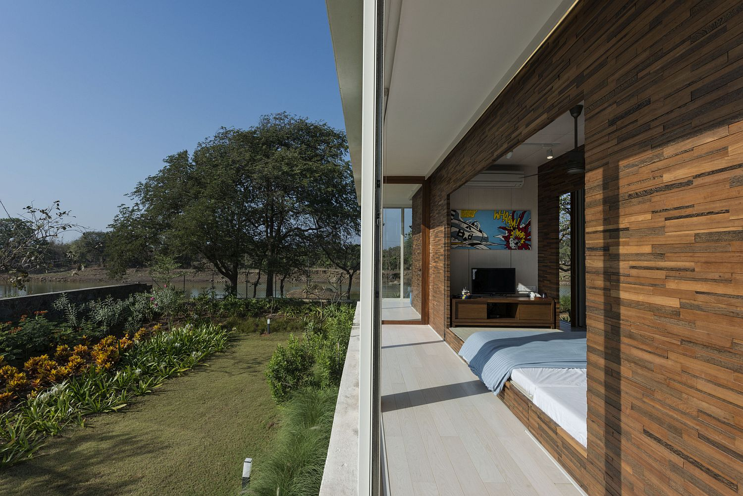 Relaxing bedrooms flow into the landscape outside