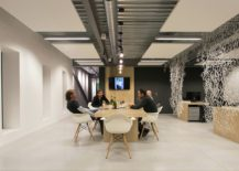 Scandinavian-style-meeting-spaces-with-an-industrial-touch-217x155