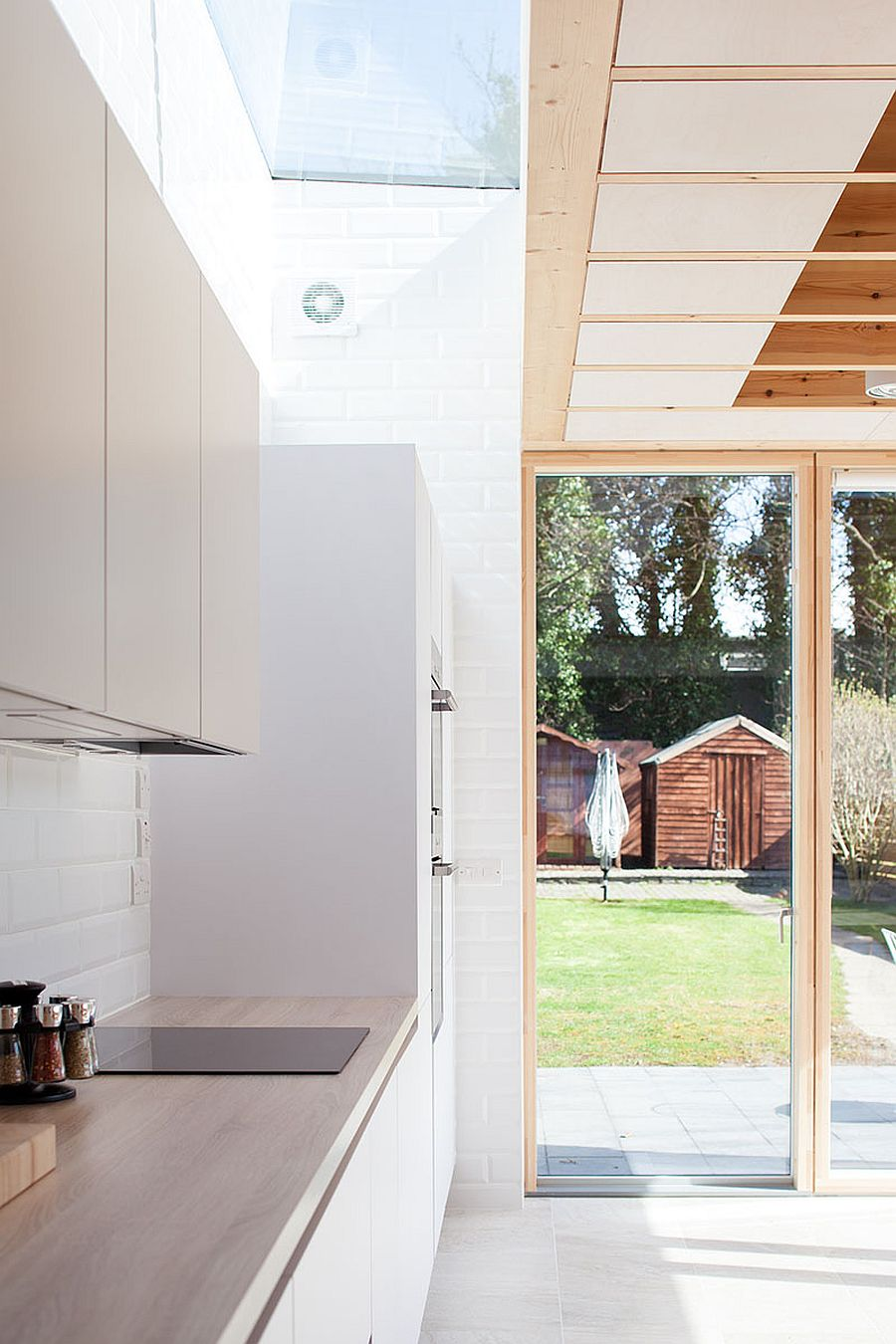 Skylights bring natural ventilation to the modern kitchen