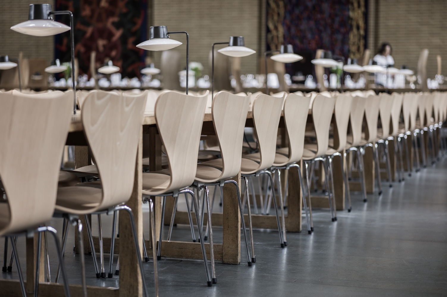 The series 7 a chair with pride of place in 5 distinct for Design stuhle jacobsen
