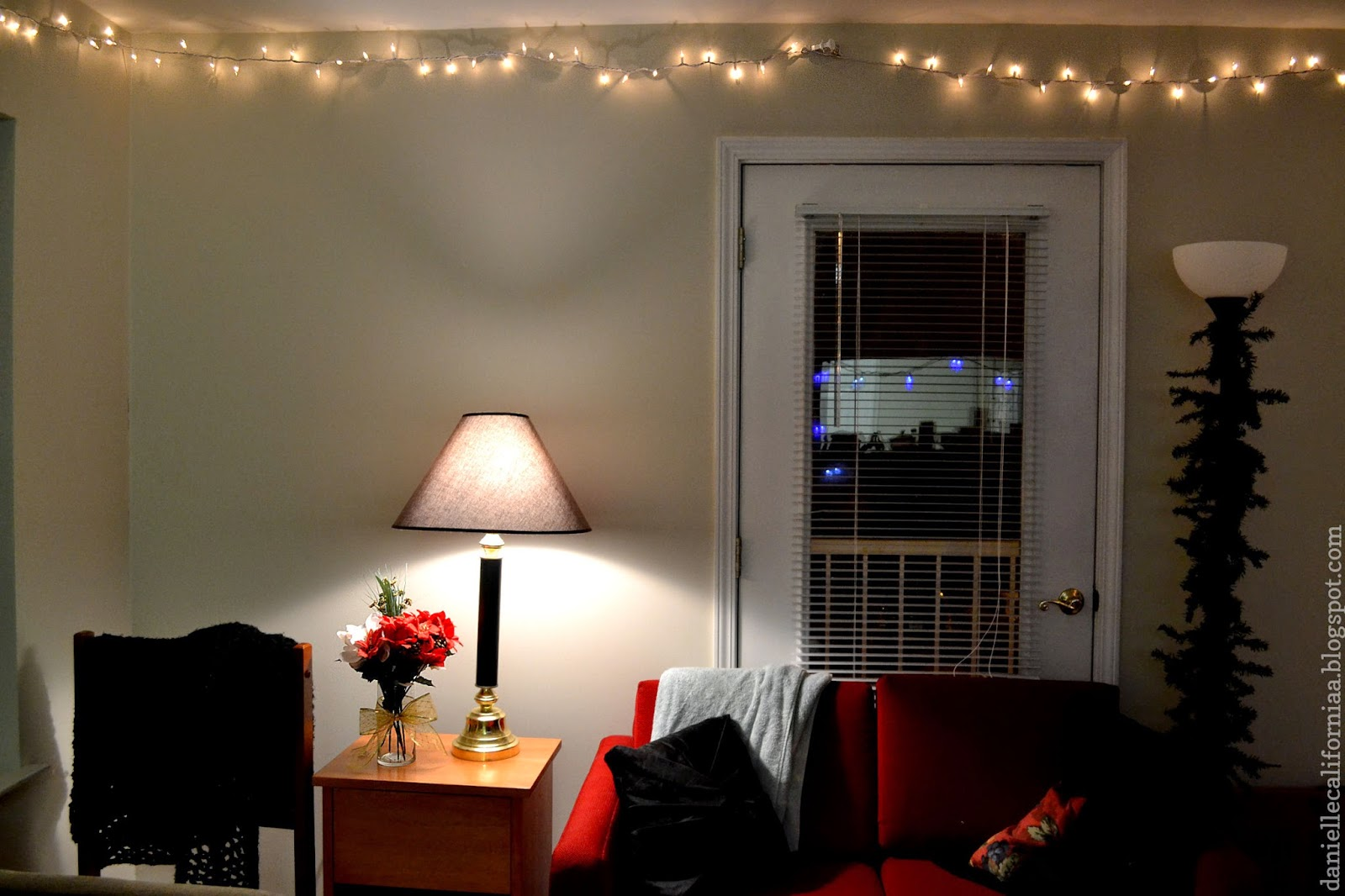 String Lights Living Room : 30 Ways to Create a Romantic Ambiance with String Lights