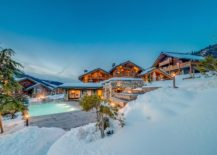 Stunning catered luxury ski chalet Mont Tremblant 217x155 Alpine Extravagance: A Look Inside One of France's Best Luxury Ski Chalet