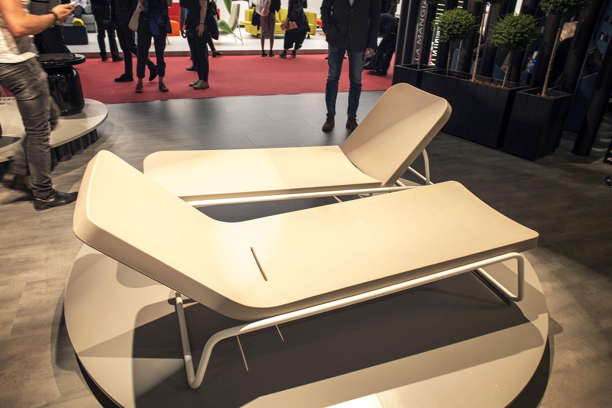 Time Out Reclining Chaise Lounge from Serralunga