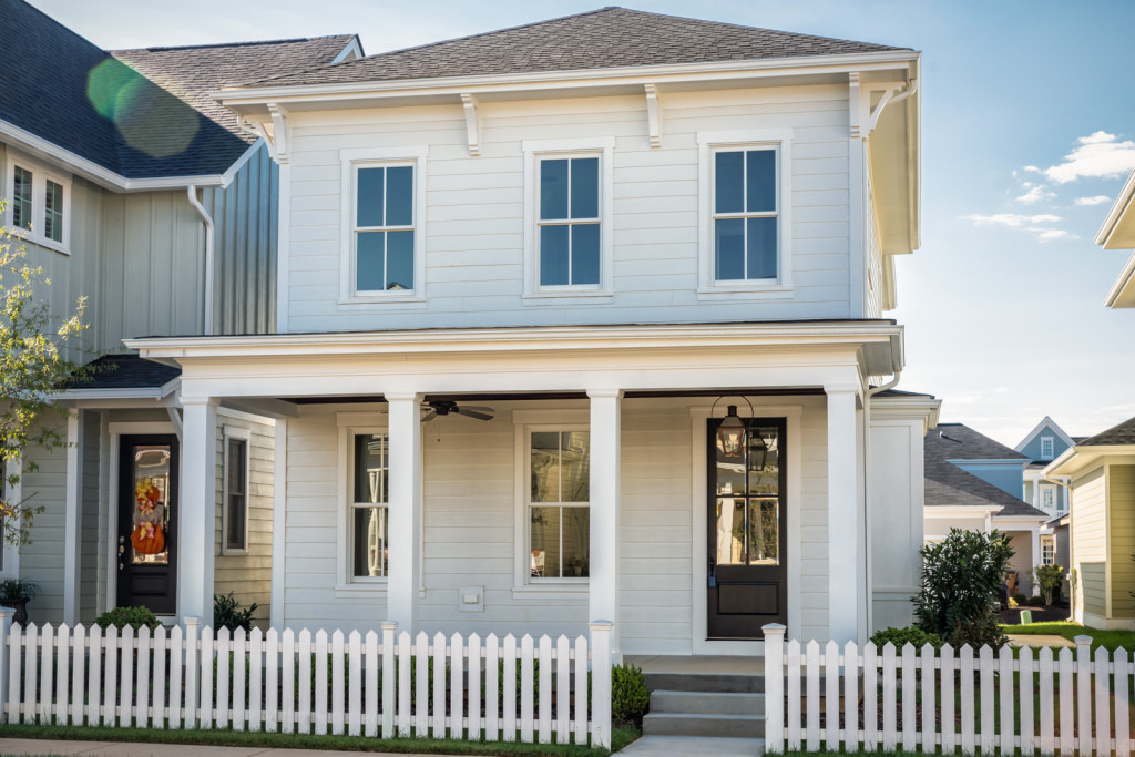 White-picket-fence-matches-the-house-
