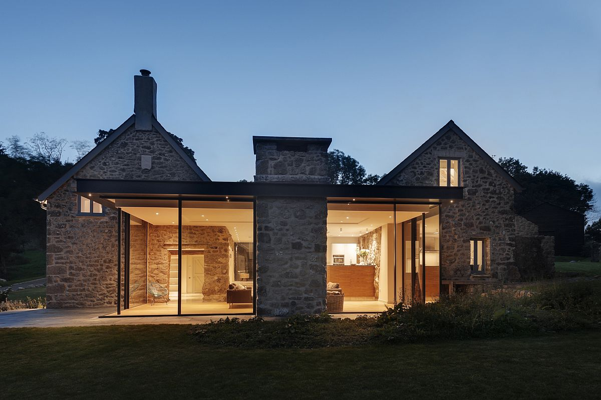 Glass And Timber Extension Revamps 18th Century Farmstead