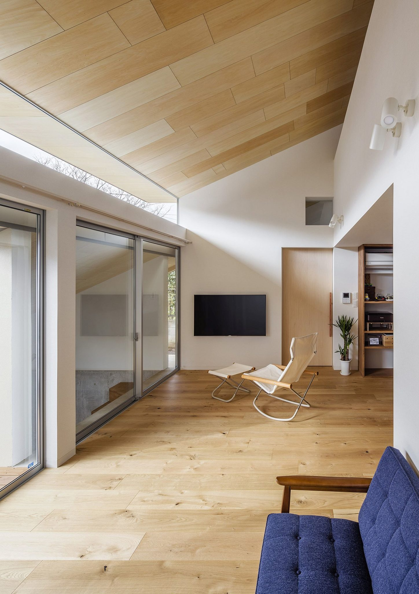 Wooden planks add warmth to the interior