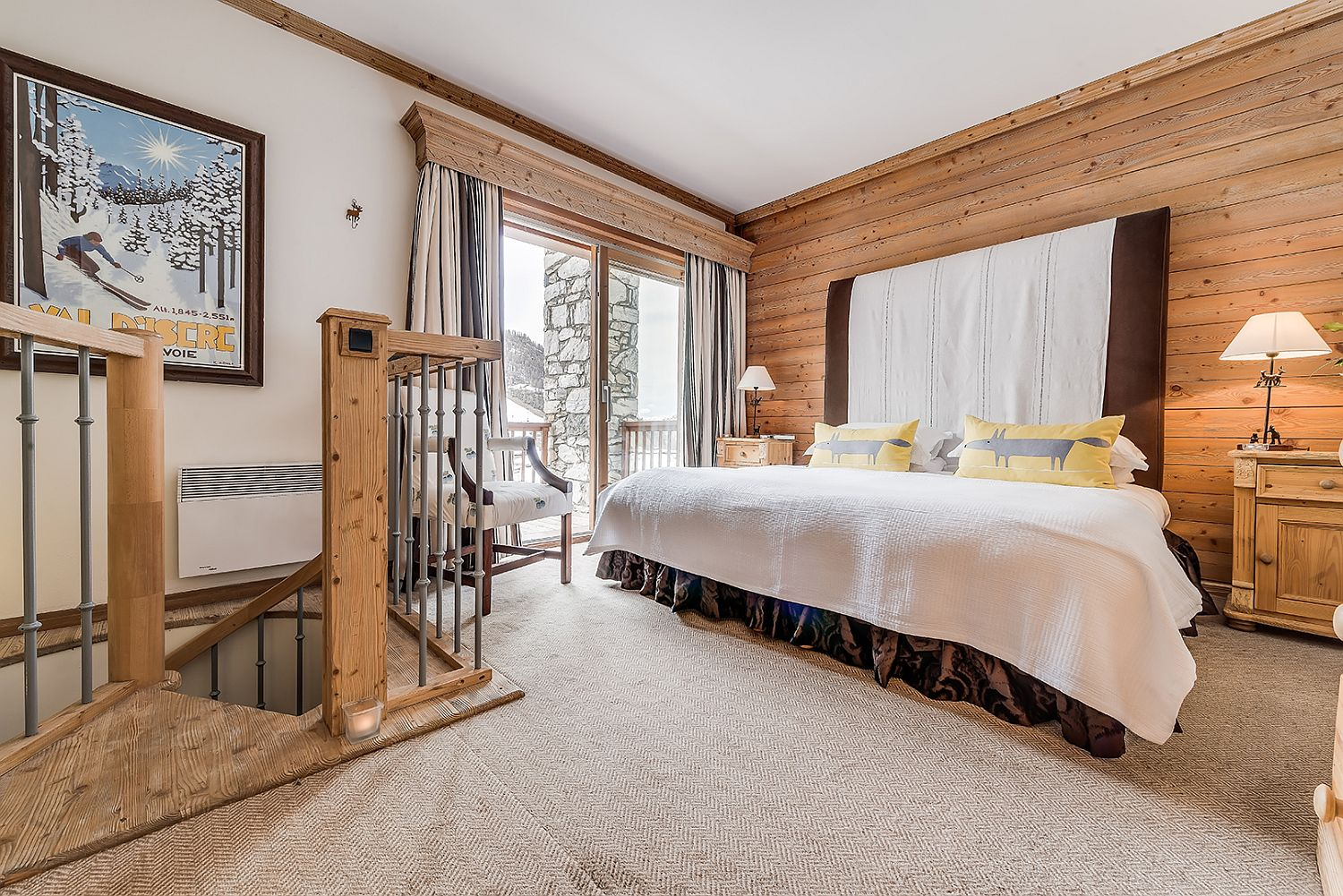Bedroom-of-the-chalet-with-a-small-balcony