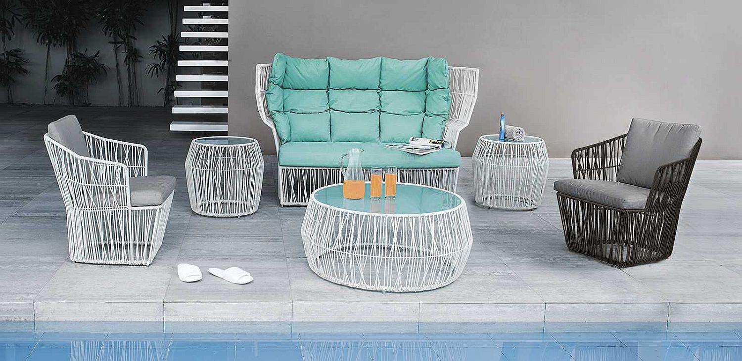 Calyx armchair with high back for a comfortable outdoor lounge