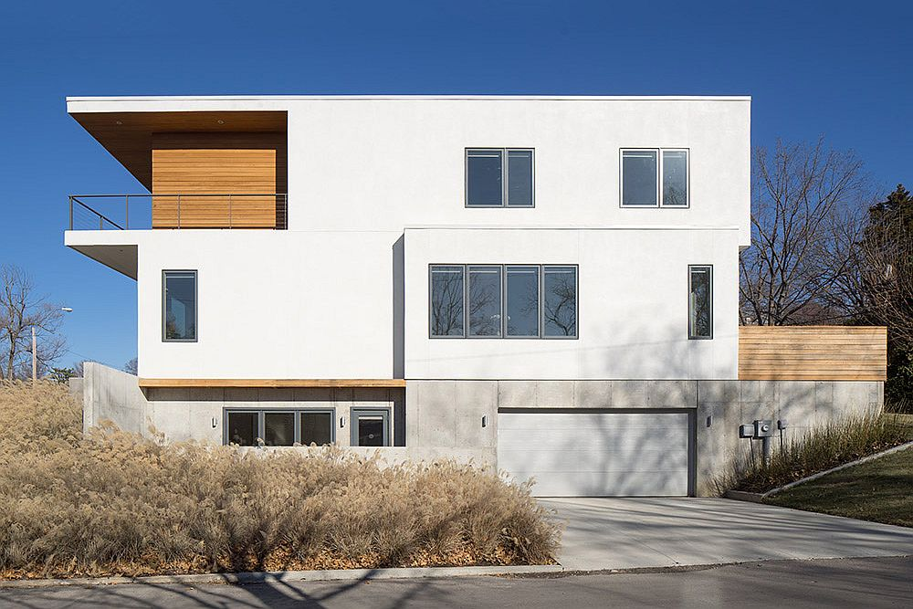Contemporary family house in West Plaza Kansas City Carpenter Residence: Serene Modern Home in Kansas City with Park Views