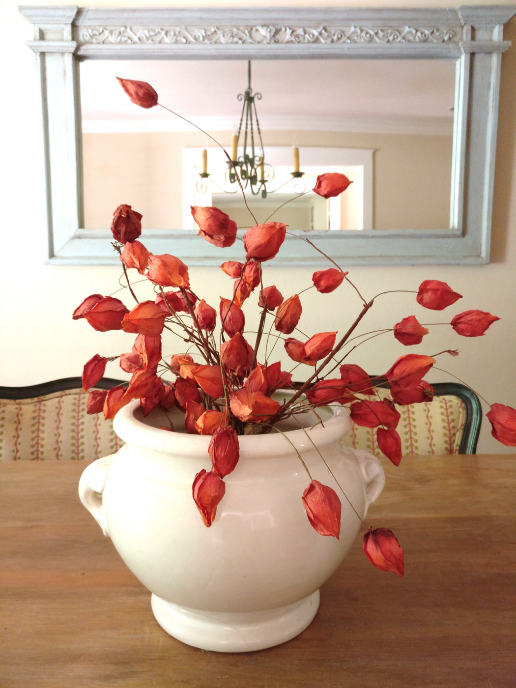 Dried floral arrangement for fall How to Decorate with Natural Elements