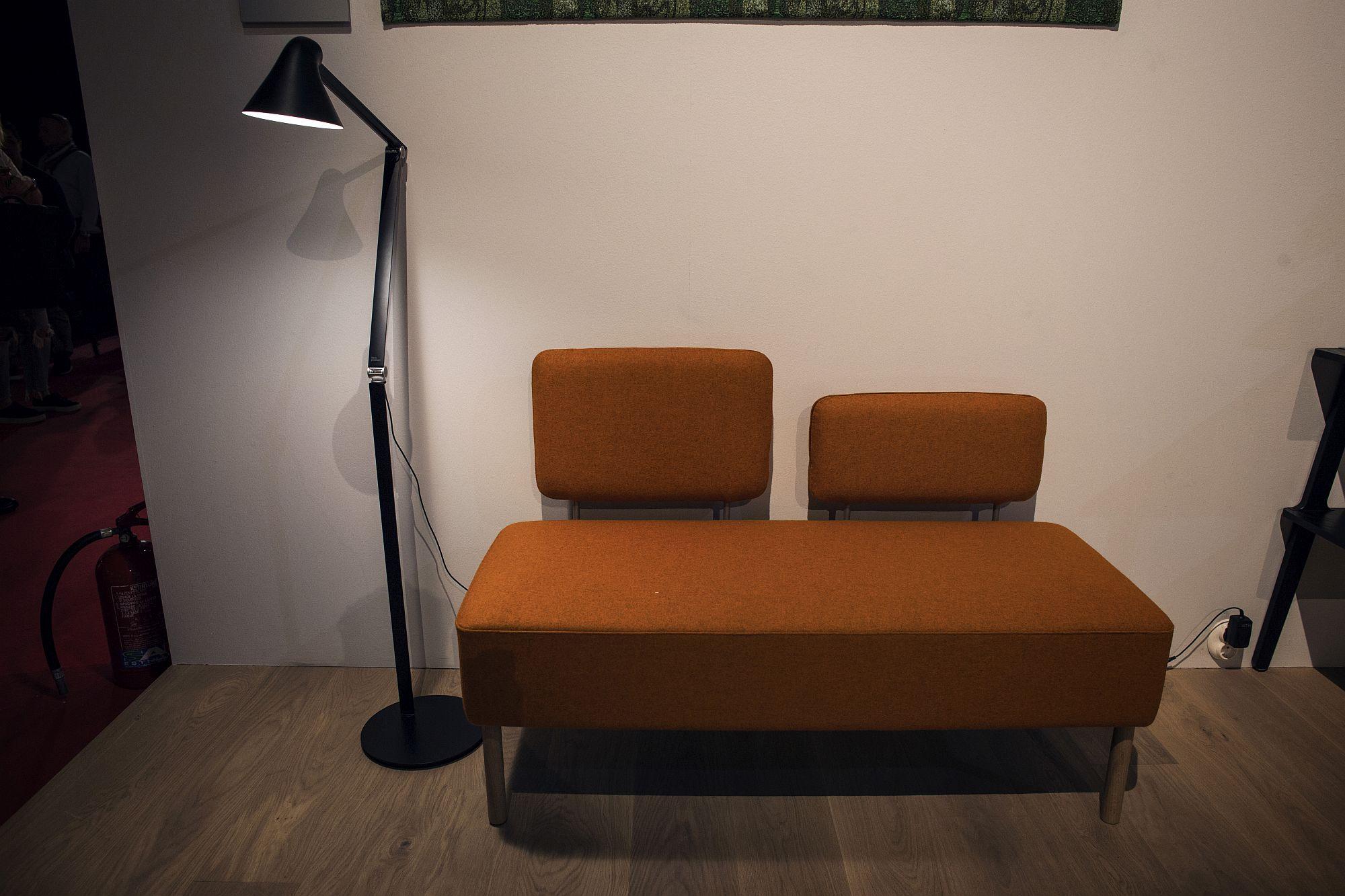 Exquisite-floor-lamp-in-black-from-Swedese