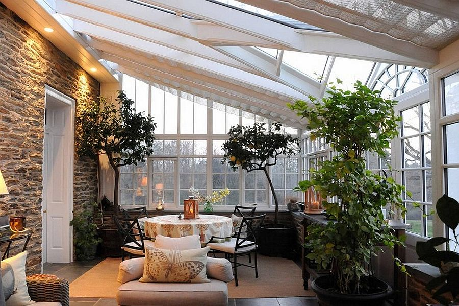 Exquisite use of indoors plants inside the sunroom