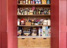 Handmade-wooden-boxes-and-baskets-bring-contrast-to-the-traditional-pantry-217x155