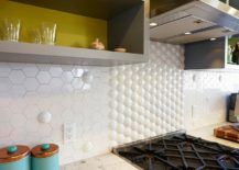 Kitchen backsplash also brings 3D allure to the kitchen 217x155 Gorgeous Geo Flair: 10 Trendy Kitchens with Hexagonal Tiles