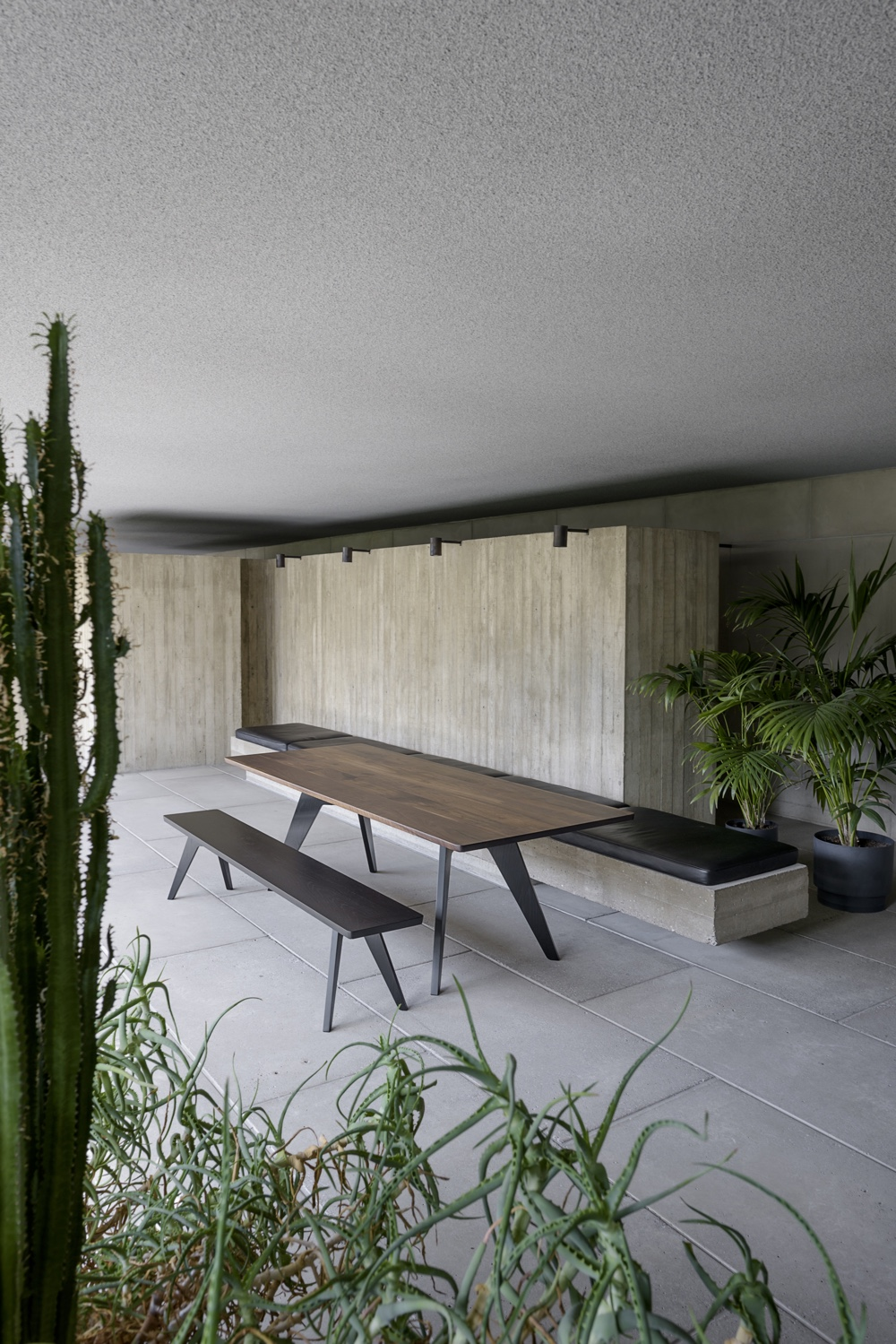 Lavitta table and bench I