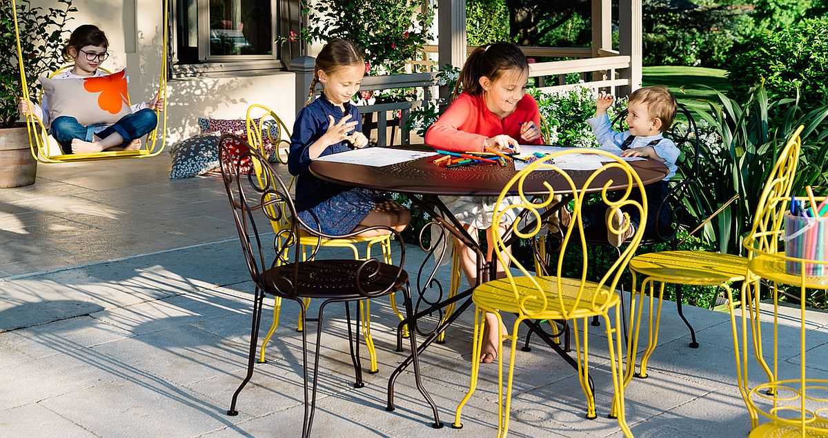 Montmarte-collection-of-chairs-create-a-lovely-outdoor-dining-space-and-hangout