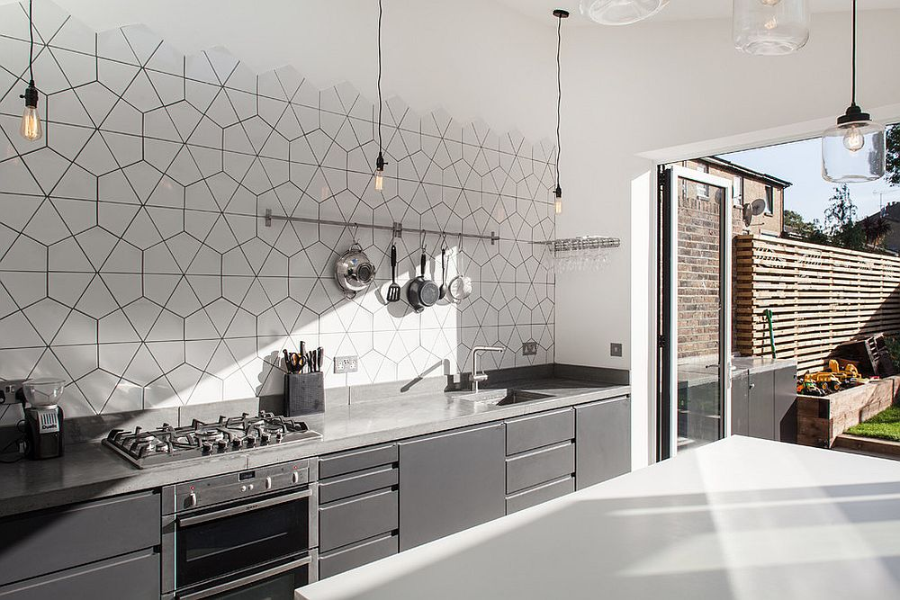 Polished and monochromatic kitchen with geo style
