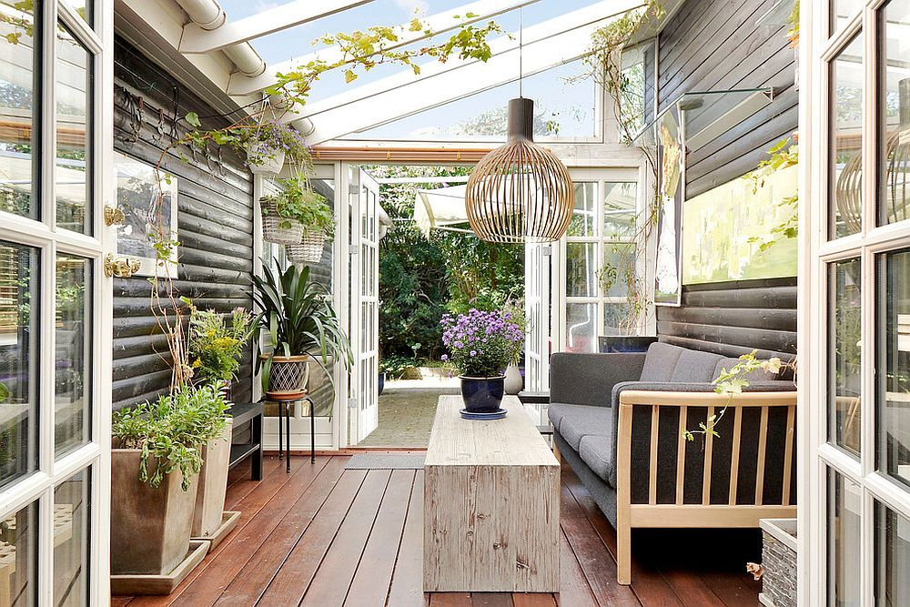 Pots used for indoor plants can define the style of your sunroom