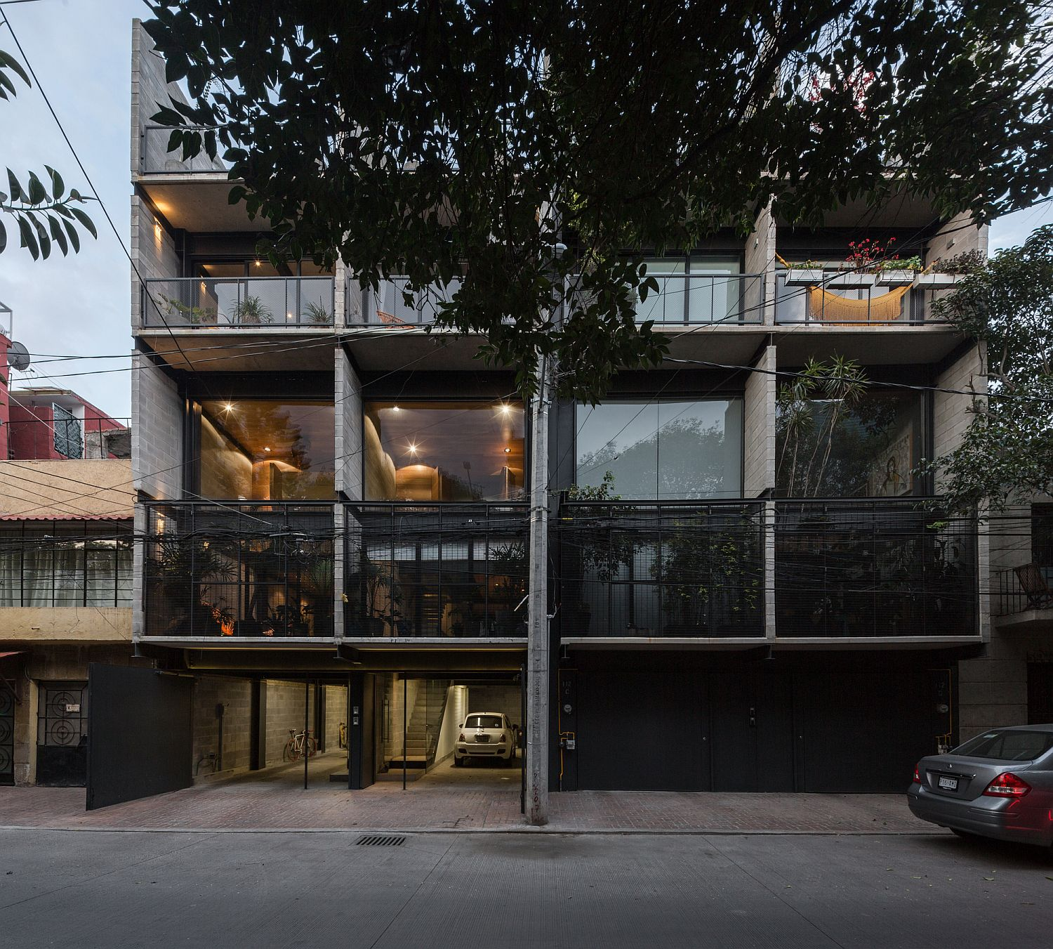 Towns Homes For Rent: Concrete, Steel And Glass Townhouses Invite In Minimalism