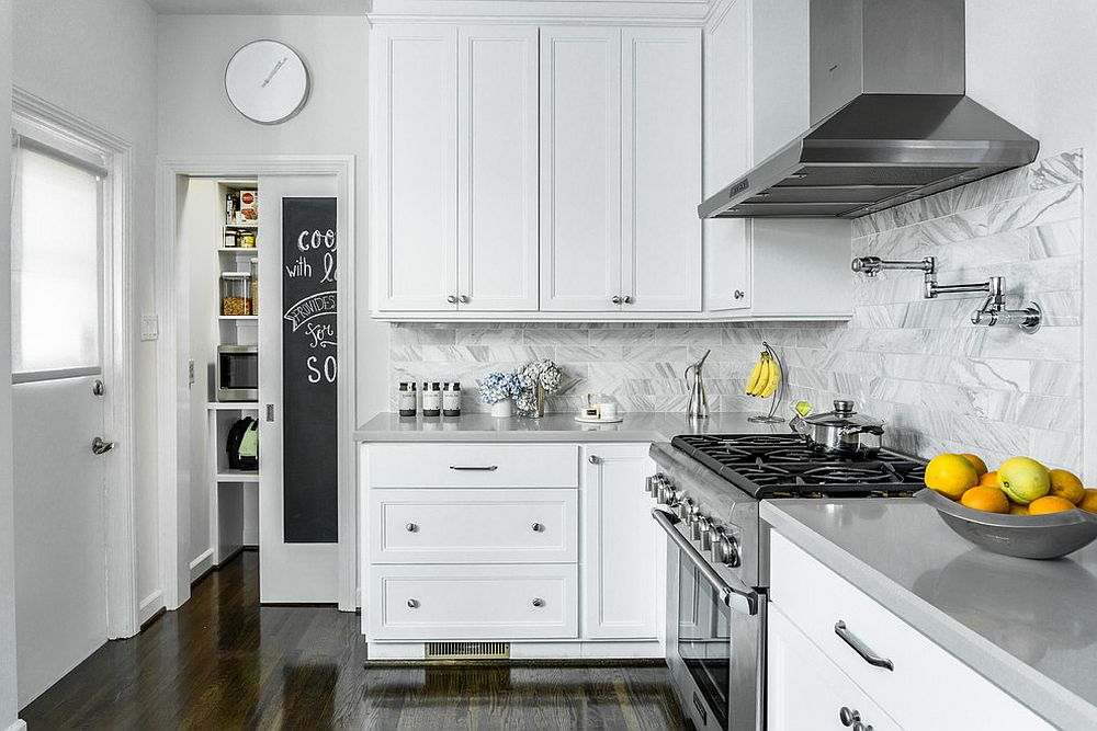 Sliding-door-with-chalkboard-for-the-kitchen-pantry