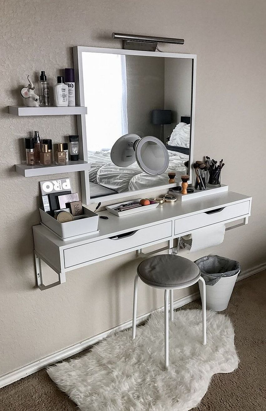 20 makeup vanity sets and dressers to complete your dream bedroom. Black Bedroom Furniture Sets. Home Design Ideas