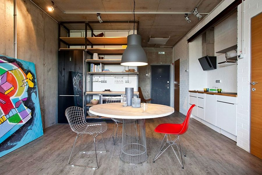 Small industrial apartment with plenty of color