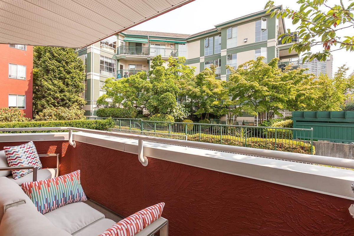 Small-modern-balcony-at-the-renovated-Vancouver-Condo
