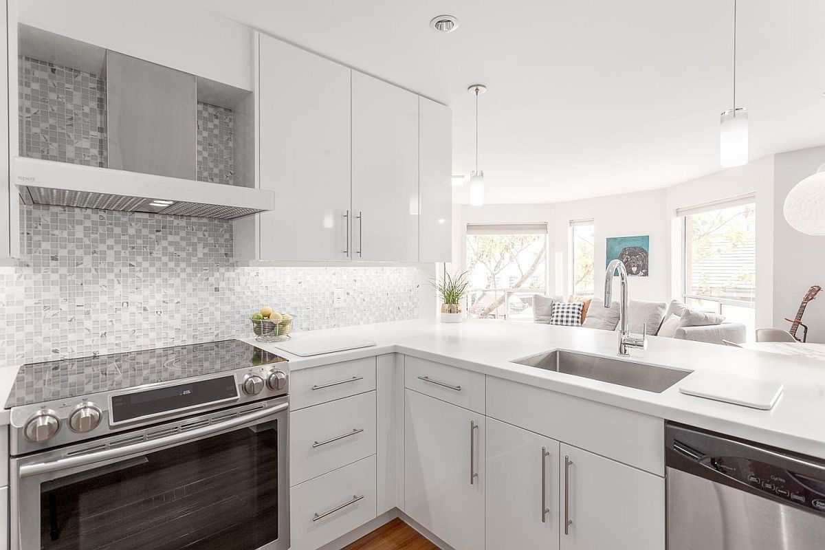Space-savvy-kitchen-with-state-of-the-art-appliances