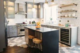 Gorgeous Geo Flair: 10 Trendy Kitchens with Hexagonal Tiles
