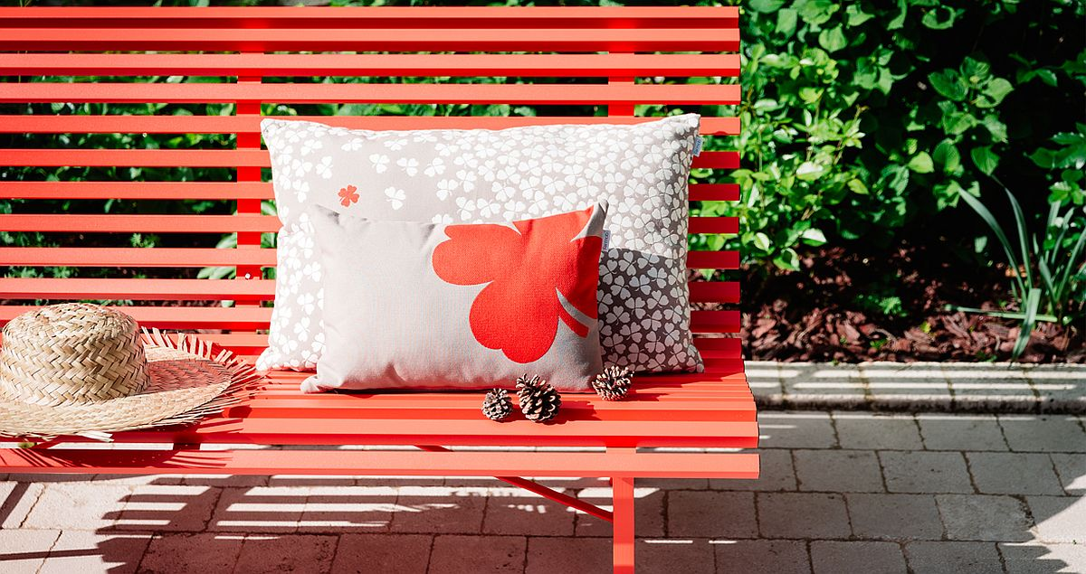 Vivacious Trefle cushions coupled with the Louisiane bench
