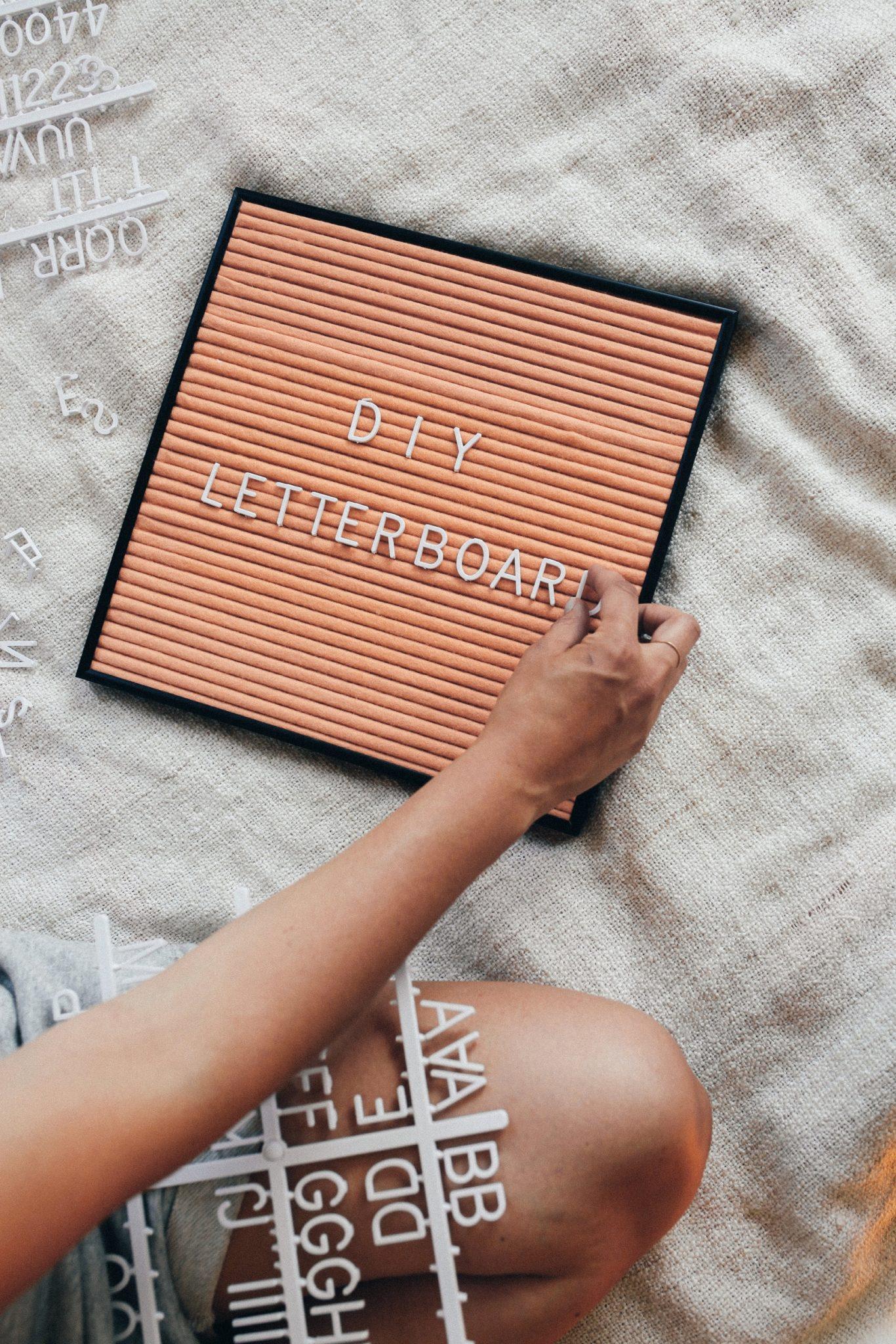 An-easy-DIY-letter-board