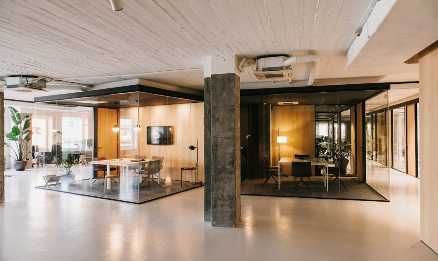 White with a Dash of Industrial Charm: CLOUD Coworking in Barcelona