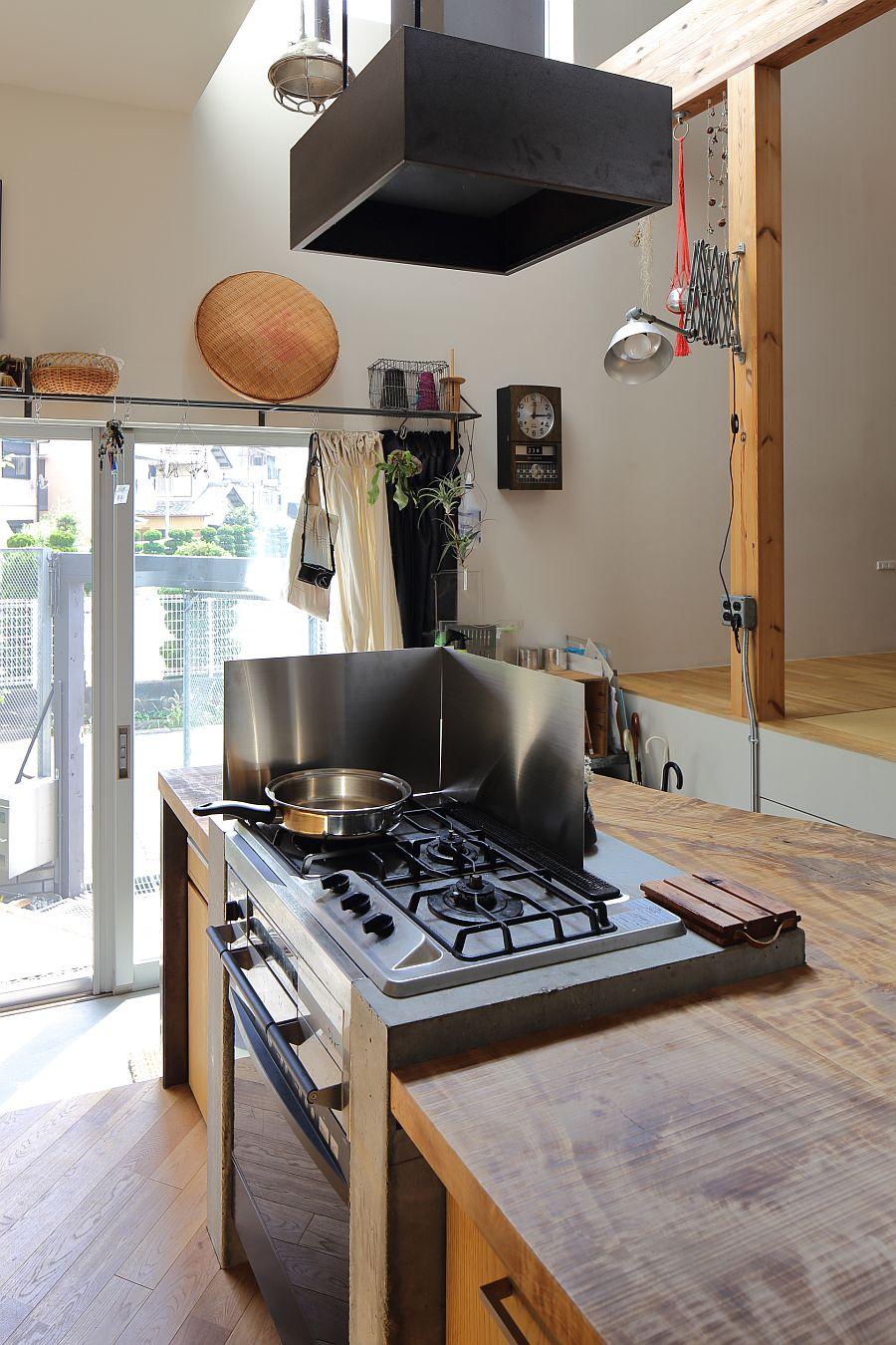 Custom kitchen island with range