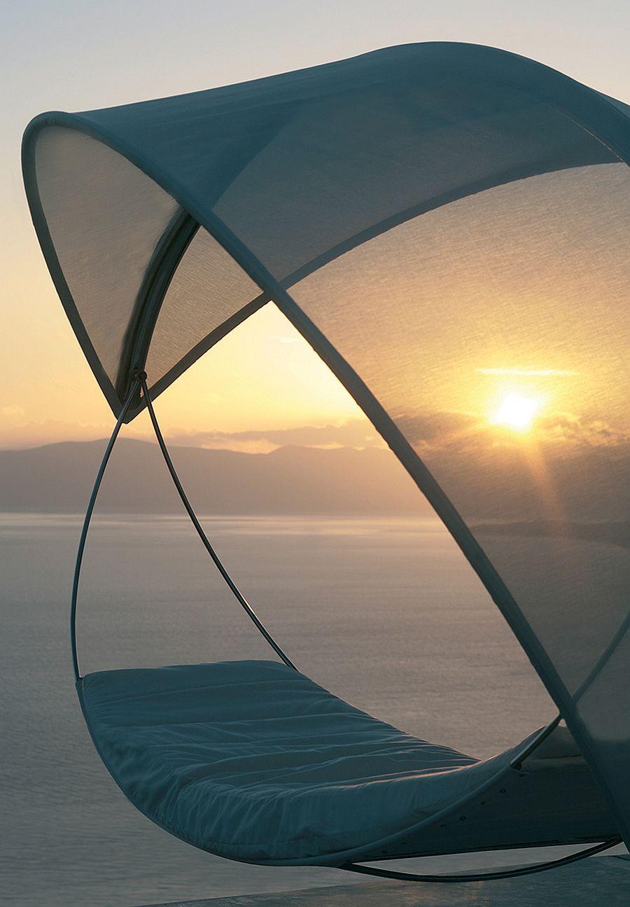 Elegant, modern outdoor hammock Wave