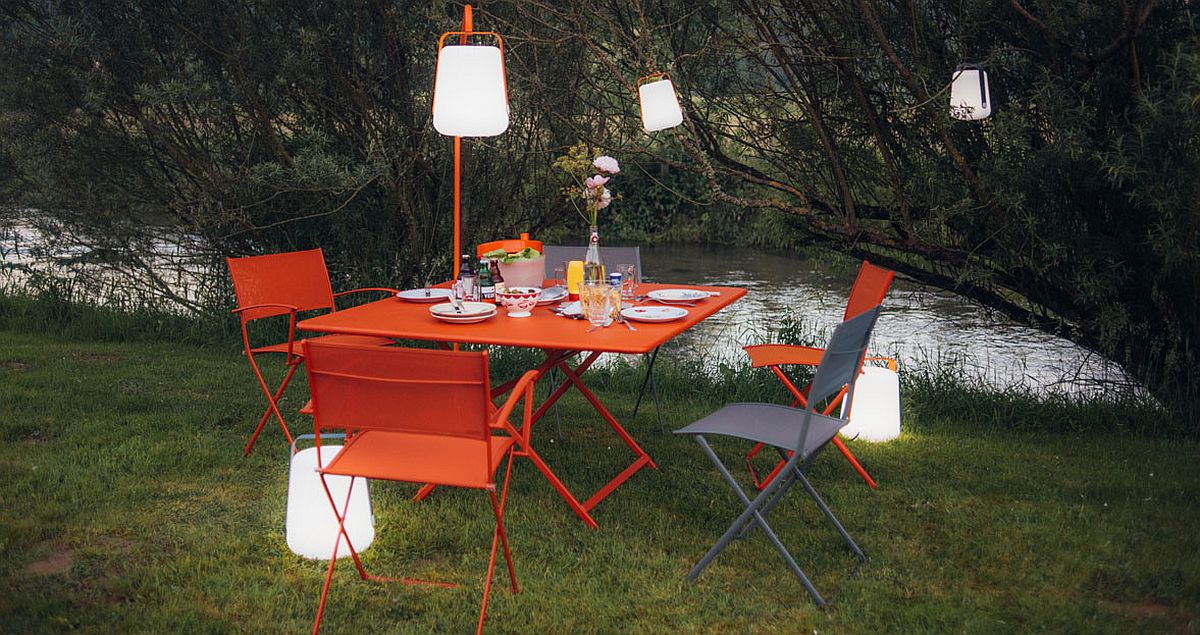 Exquisite outdoor lamp can be used in a variety of ways