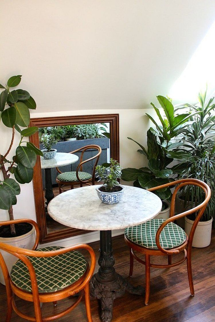 20 tiny breakfast nooks for two with space saving goodness for Kitchen table cafe menu