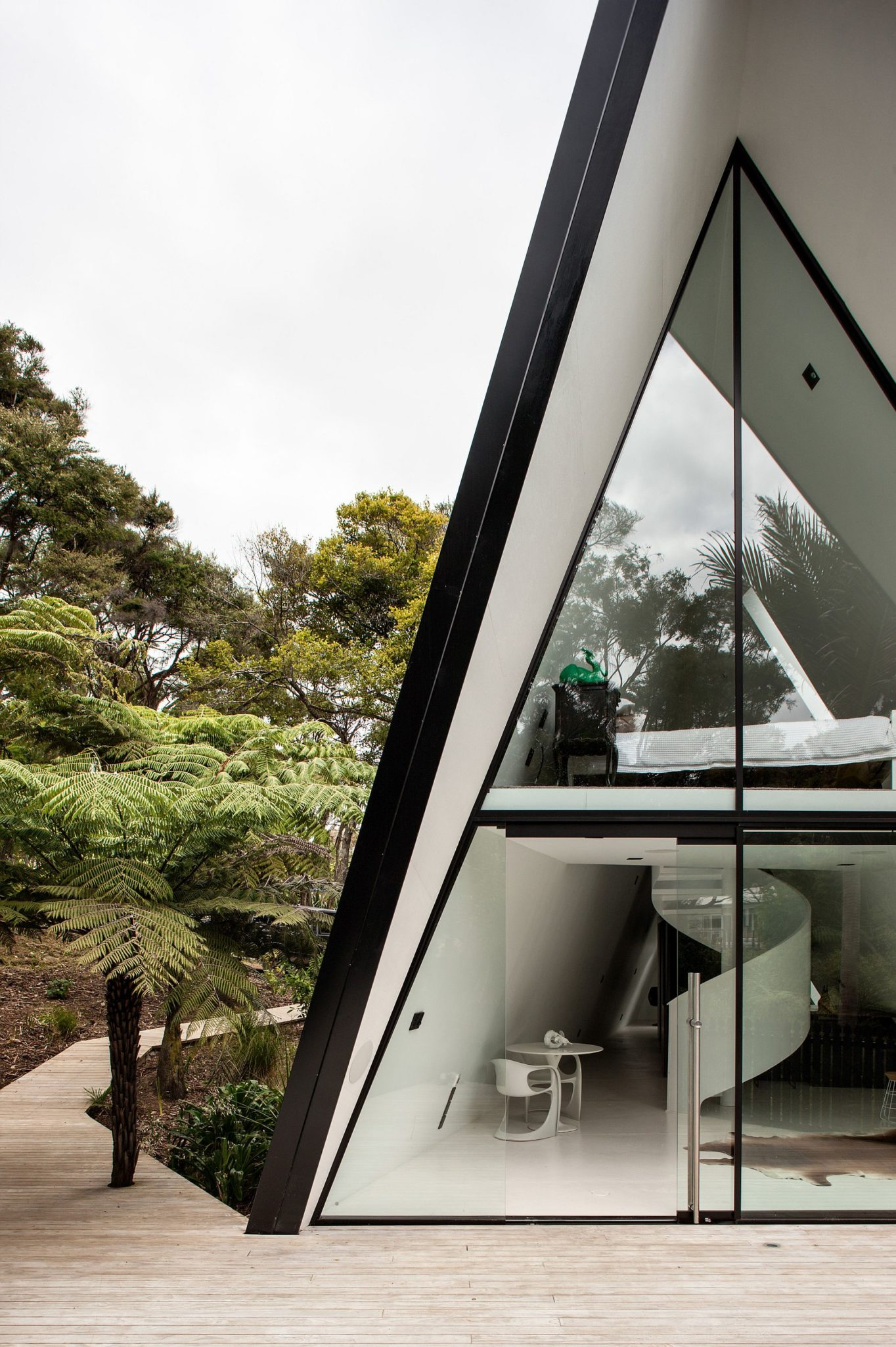 Innovative Tent House designed by Chris Tate Architecture