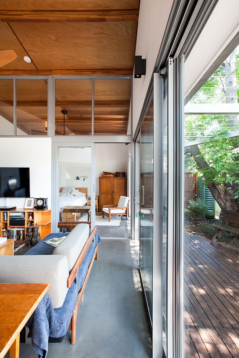 Sliding-glass-doors-connect-the-interior-with-the-exterior
