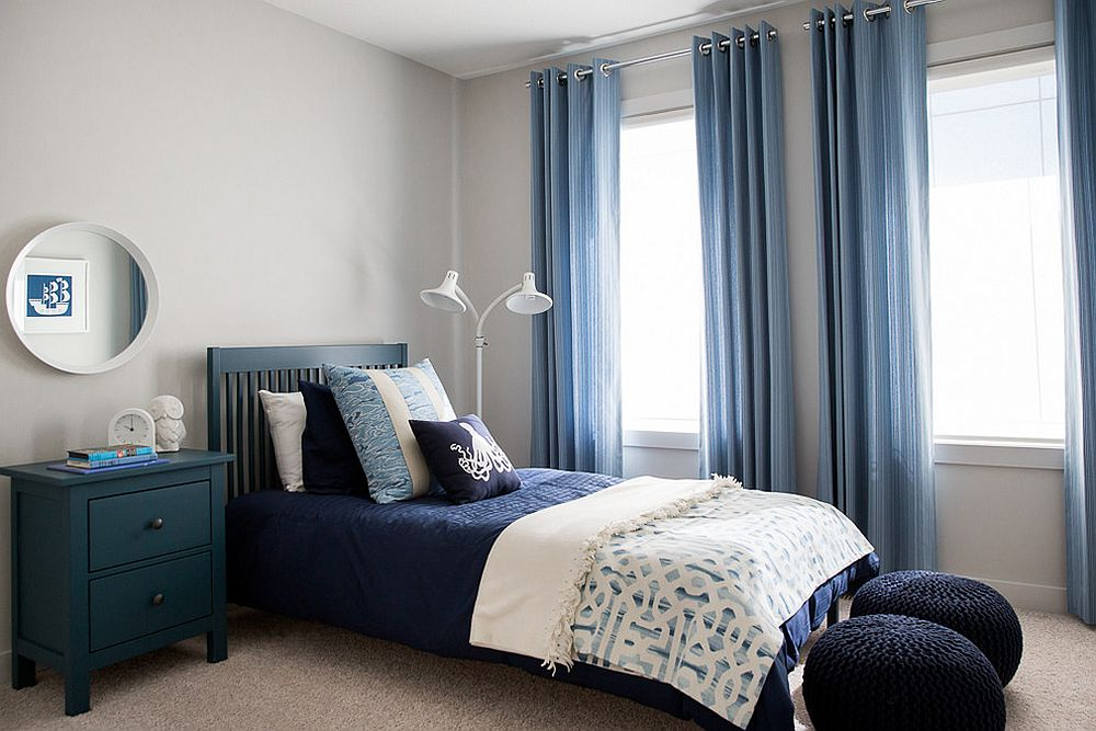 Gorgeous Gray And White Bedrooms: 15 Blue Drapes And Curtain Ideas For A Stunning, Modern